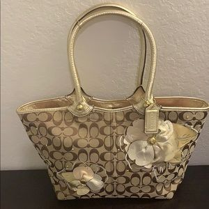 COACH Bleecker Gold Floral Appliqué Signature Tote